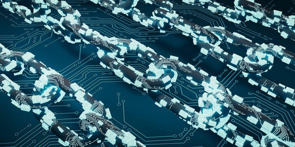Los principios que rigen Blockchain son la inmutabilidad, la descentralización y la transparencia.
