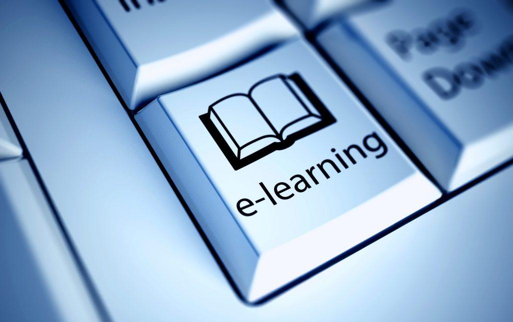 Existe una amplia oferta de cursos cortos con salida laboral que podés cursar completamente a distancia.