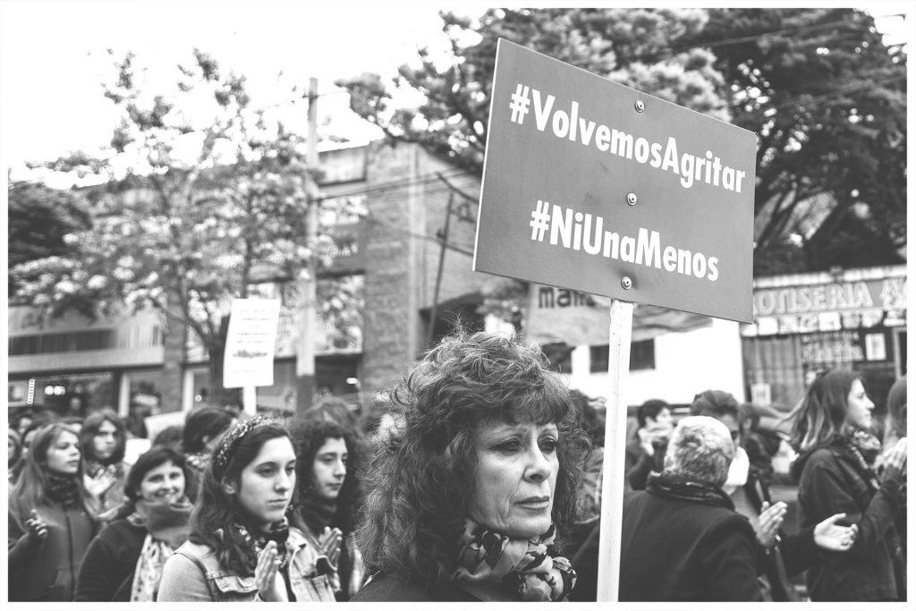 """La consigna """"Ni una menos"""" dio nombre a un movimiento y un colectivo de protesta contra la violencia hacia las mujeres y su consecuencia más visible y grave: el femicidio."""