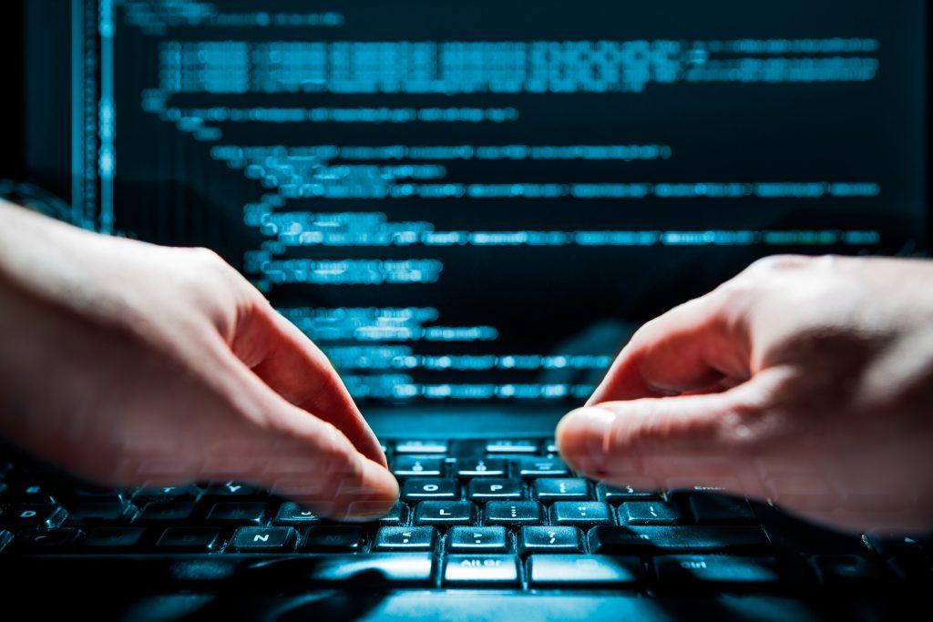 Los programadores pueden trabajar desde casa, no solo para empresas nacionales y del extranjero.